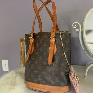 💕CUTE LV Petite Bucket Bag with Pouch & Organizer